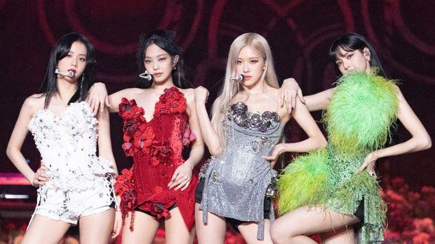 30 nhóm nhạc hot nhất Kpop: BTS - BLACKPINK so kè No.1 khốc liệt, EXO tụt dốc đến mức hụt hơi hẳn so với loạt đàn em - Ảnh 3.