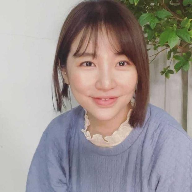 Sốc nặng trước cảnh căn nhà bừa bộn, đồ đạc chất đống như rác và nhan sắc biến dạng của Yoon Eun Hye (Hoàng Cung) - Ảnh 8.