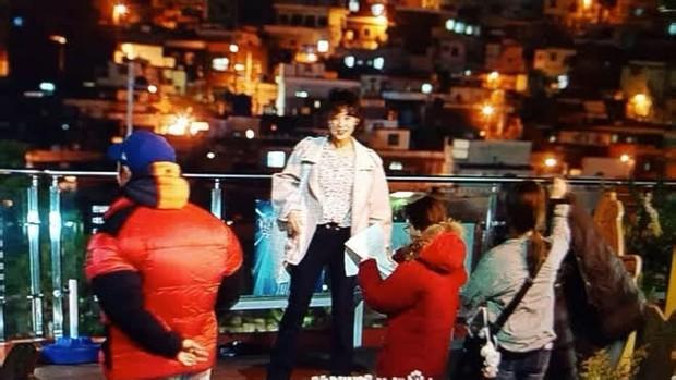 """""""Nữ thần Hậu Duệ Mặt Trời"""" Kim Ji Won """"xả"""" ảnh cũ, camera chất lượng thấp nhưng visual chất lượng vẫn cao ngút trời! - Ảnh 6."""