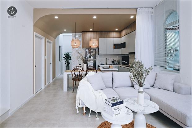 Ngôi nhà không cầu kỳ nhưng vẫn cực mê đắm với những đường cong tinh tế, trắng sáng nổi bật cả góc phố - Ảnh 2.