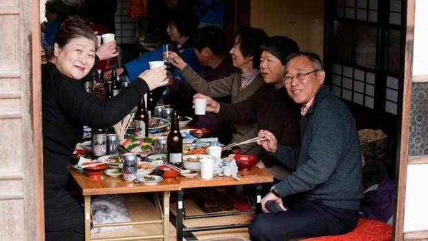 Người Nhật sống lâu vì họ không mắc phải 4 sai lầm trong bữa tối, trong khi nhiều người Việt thì có - Ảnh 3.