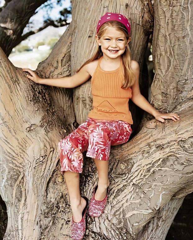 Ảnh hồi bé của Gigi Hadid gây bão: Tóc vàng mắt xanh xinh như búp bê, nhìn là đoán ngay visual cực phẩm của con gái mới sinh - Ảnh 3.