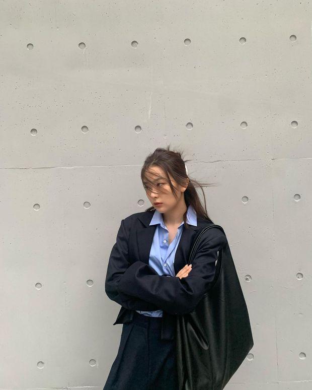 4 kiểu tóc buộc ẩu mà xinh xỉu của Seulgi: Hợp với mọi dáng mặt, giúp nhan sắc lên hương mỗi ngày - Ảnh 11.