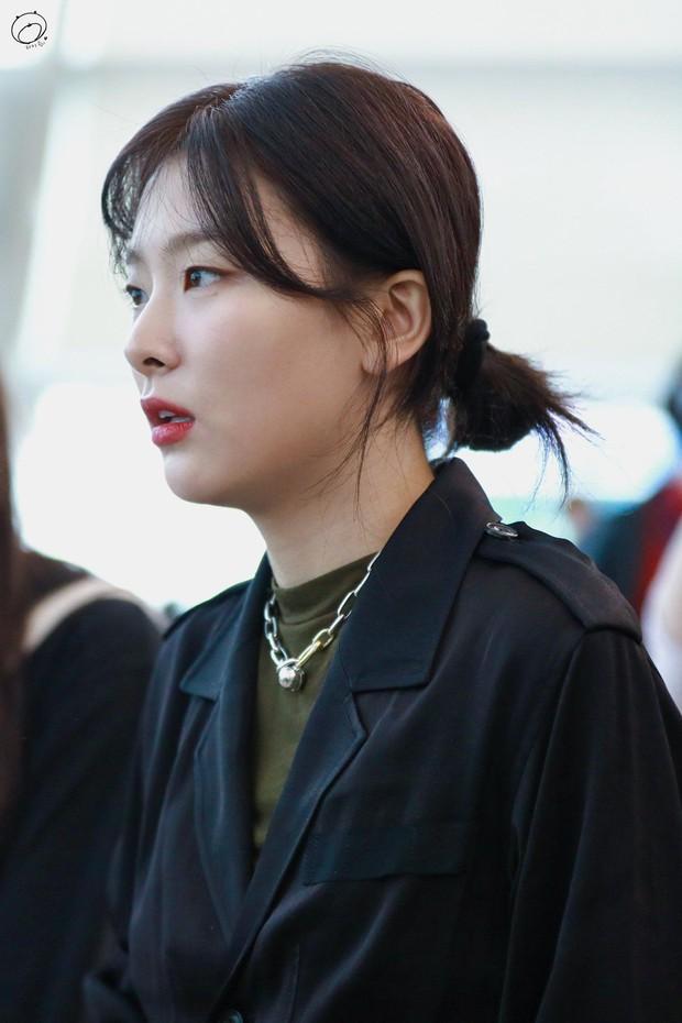 4 kiểu tóc buộc ẩu mà xinh xỉu của Seulgi: Hợp với mọi dáng mặt, giúp nhan sắc lên hương mỗi ngày - Ảnh 3.