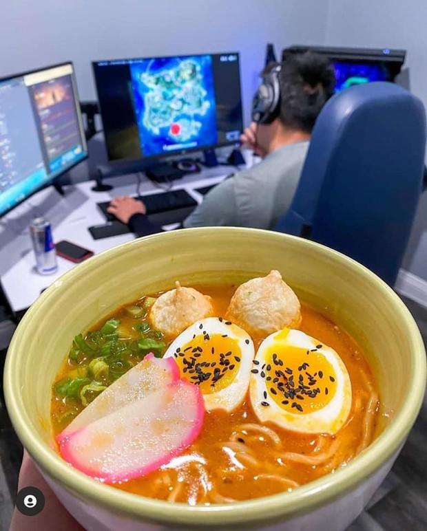 Game thủ số hưởng nhất hệ mặt trời, chỉ việc chơi đồ ăn sẽ tự đến - Ảnh 7.