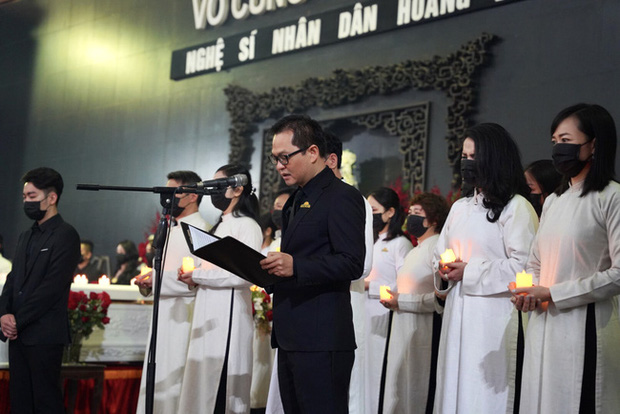 Bên trong lễ tang NSND Hoàng Dũng: Giới nghệ sĩ nghẹn ngào, mắt đỏ hoe trong giờ phút tiễn đưa linh cữu về nơi an nghỉ - Ảnh 16.