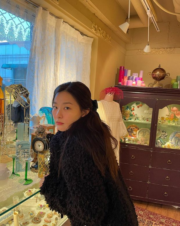 4 kiểu tóc buộc ẩu mà xinh xỉu của Seulgi: Hợp với mọi dáng mặt, giúp nhan sắc lên hương mỗi ngày - Ảnh 10.