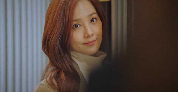 4 thuyết âm mưu bay màu qua 2 tập đầu Penthouse 2: Fan chị đẹp Lee Ji Ah cất poster vào góc là vừa? - Ảnh 6.