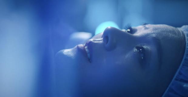 4 thuyết âm mưu bay màu qua 2 tập đầu Penthouse 2: Fan chị đẹp Lee Ji Ah cất poster vào góc là vừa? - Ảnh 8.