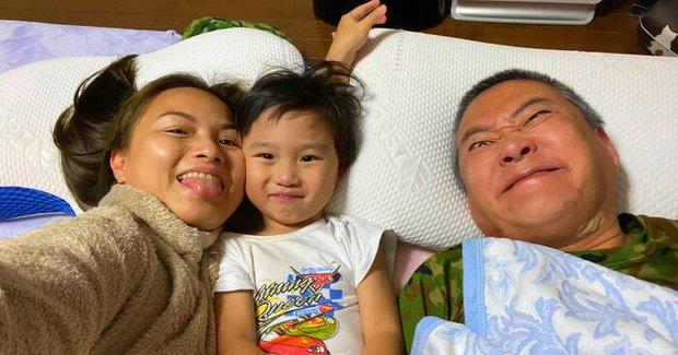 Nữ đại gia mới nổi Quỳnh Trần JP từ chối yêu cầu của bé Sa ở ngày Vía Thần Tài, netizen liền trêu: Mới mua nhà nên khô máu chứ gì? - Ảnh 2.