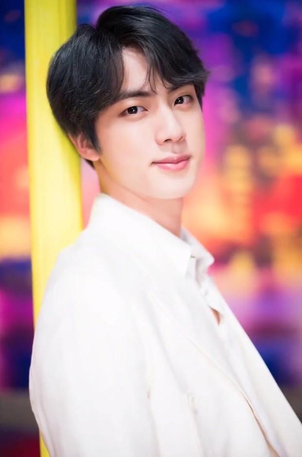 Trong hàng trăm idol Kpop, chỉ có 1 nam thần duy nhất Dispatch không bao giờ phải dùng photoshop chỉnh ảnh - Ảnh 6.