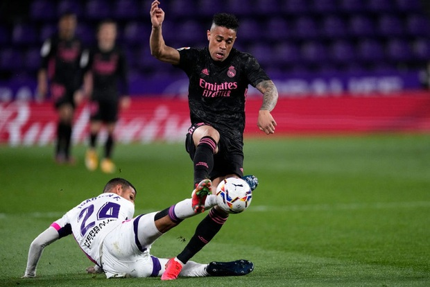 Người hùng ghi bàn duy nhất giúp Real Madrid vất vả thắng đội áp chót, thu hẹp khoảng cách với Atletico trong cuộc đua vô địch - Ảnh 4.