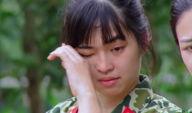 Nam Thư, Khánh Vân bật khóc khi chứng kiến màn biểu diễn khí công nguy hiểm tại Sao Nhập Ngũ - Ảnh 10.