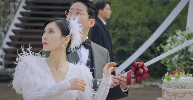 Penthouse 2 mới mở màn, ác nữ Seo Jin đã nhọ không lối thoát: Hết chồng trên phim đến chồng real thi nhau quật chị tơi tả! - Ảnh 7.