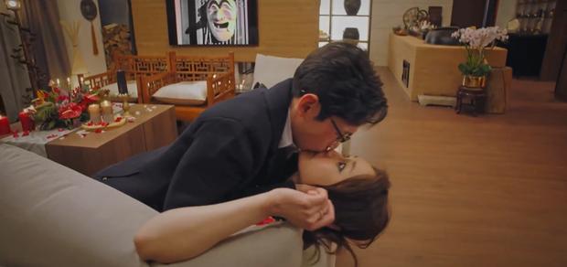 Netizen muốn trầm cảm với cảnh hôn nuốt môi của bộ đôi tấu hài ở Penthouse 2 - Ảnh 2.