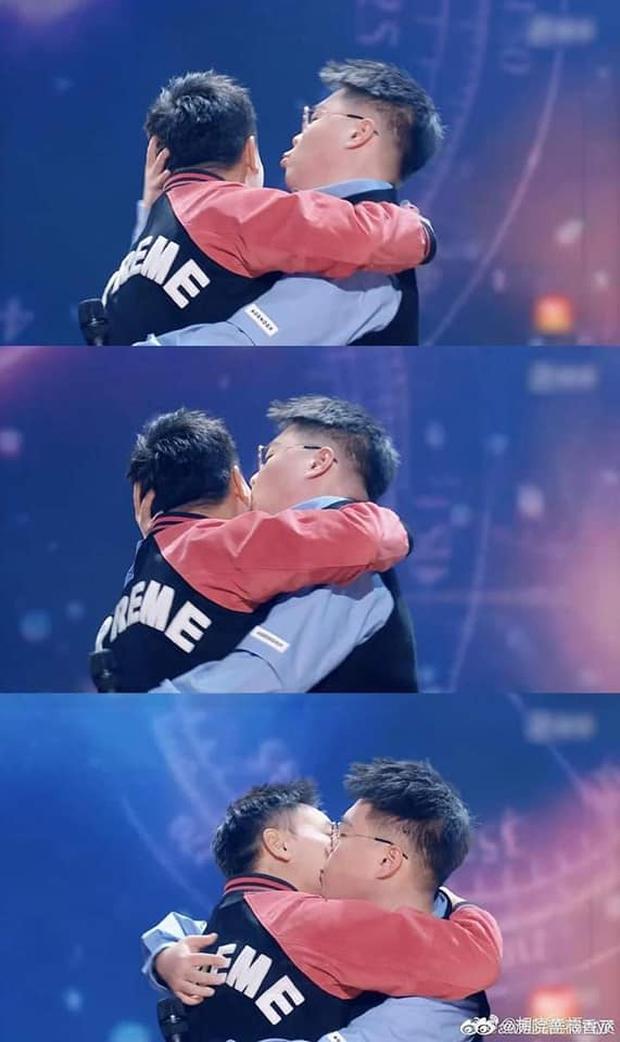Cặp siêu quậy Thiếu Lâm Tiểu Tử bất ngờ tái hợp sau 27 năm, còn hôn nhau thắm thiết làm fan suýt đẩy thuyền - Ảnh 6.