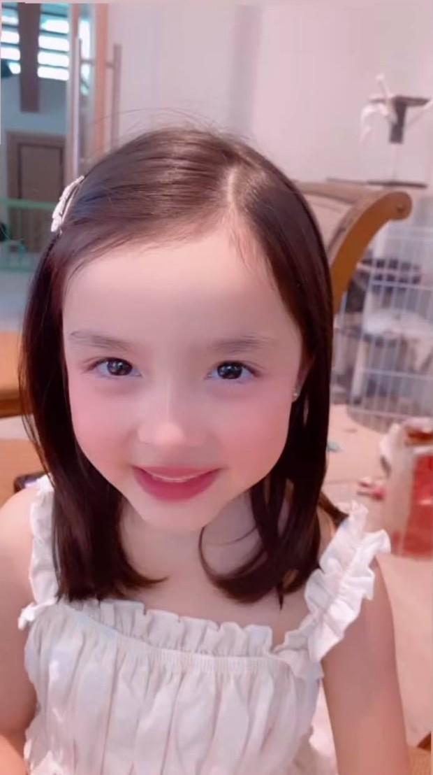 Con gái Mỹ nhân đẹp nhất Philippines qua camera điện thoại: Cực phẩm thế này bảo sao đắt quảng cáo hơn cả mẹ - Ảnh 4.