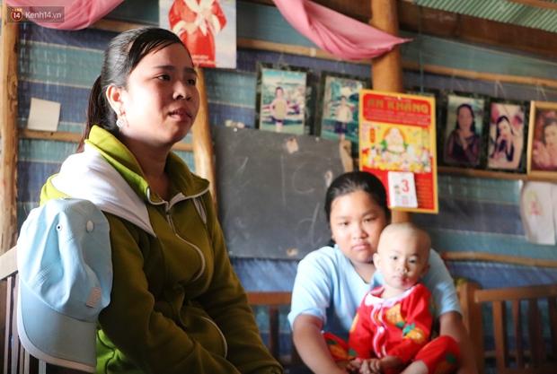 Chồng mất, con gái 3 tuổi mắc ung thư, người phụ nữ ngã quỵ khi chạy khắp xóm không mượn đủ 1 triệu đưa con nhập viện - Ảnh 1.