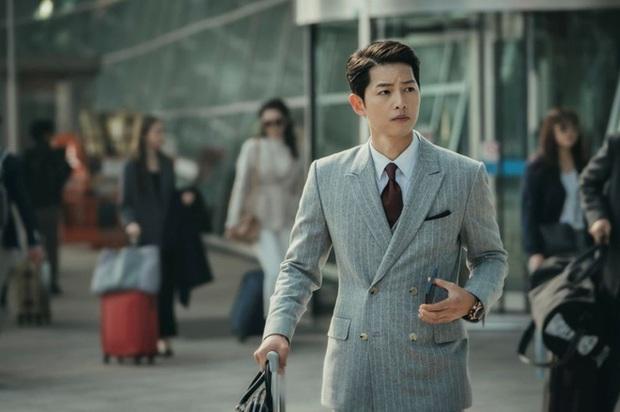 Vừa bị chê kém sắc vì Song Hye Kyo dùng như phá, Song Joong Ki bỗng khiến Knet quay xe với visual ngút ngàn - Ảnh 13.