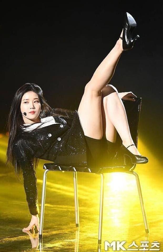 Không ngờ dàn nữ idol này hack dáng ảo diệu đến thế: Cao khiêm tốn nhưng body đỉnh cao, ngã ngửa khi so với idol cao kều - Ảnh 15.