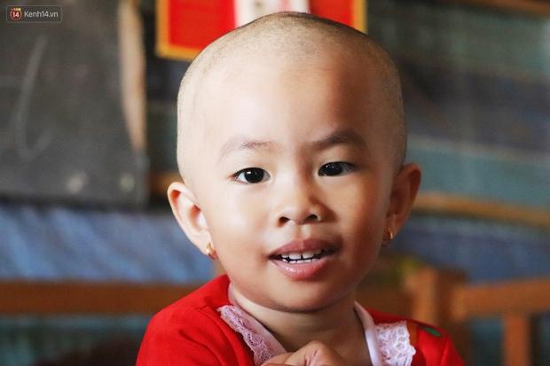 Chồng mất, con gái 3 tuổi mắc ung thư, người phụ nữ ngã quỵ khi chạy khắp xóm không mượn đủ 1 triệu đưa con nhập viện - Ảnh 5.