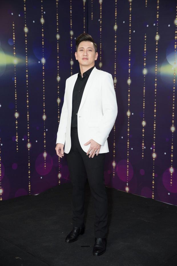 Diễn viên Đỗ An, Hoa hậu Ngọc Châu, stylist Hoàng Ku... cầm mic khoe giọng trong Trời Sinh Một Cặp mùa 5 - Ảnh 3.
