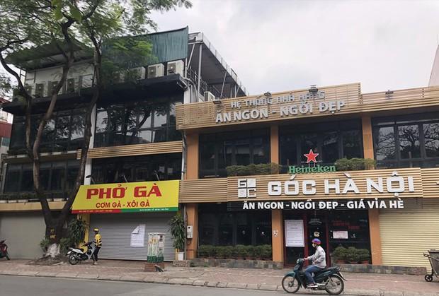 Vì sao không bị cấm nhưng nhiều nhà hàng ở Hà Nội vẫn cửa đóng then cài? - Ảnh 1.
