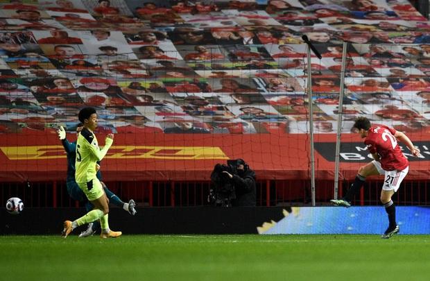 Marcus Rashford tỏa sáng giúp MU hạ Newcastle và nuôi hy vọng bám đuổi Man City - Ảnh 5.