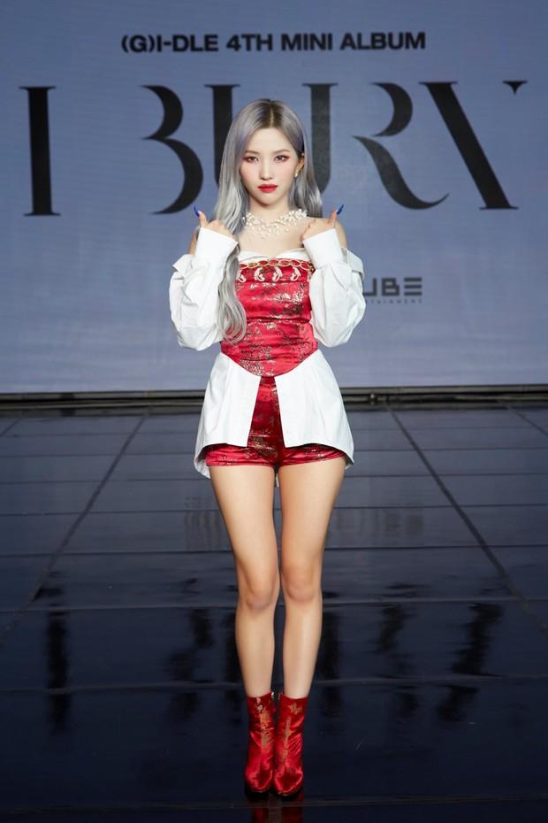 Không ngờ dàn nữ idol này hack dáng ảo diệu đến thế: Cao khiêm tốn nhưng body đỉnh cao, ngã ngửa khi so với idol cao kều - Ảnh 23.