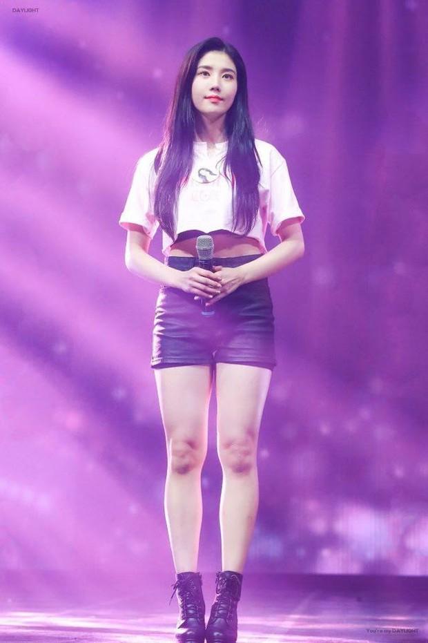 Không ngờ dàn nữ idol này hack dáng ảo diệu đến thế: Cao khiêm tốn nhưng body đỉnh cao, ngã ngửa khi so với idol cao kều - Ảnh 12.