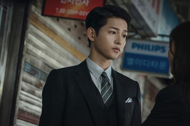 Vừa bị chê kém sắc vì Song Hye Kyo dùng như phá, Song Joong Ki bỗng khiến Knet quay xe với visual ngút ngàn - Ảnh 12.
