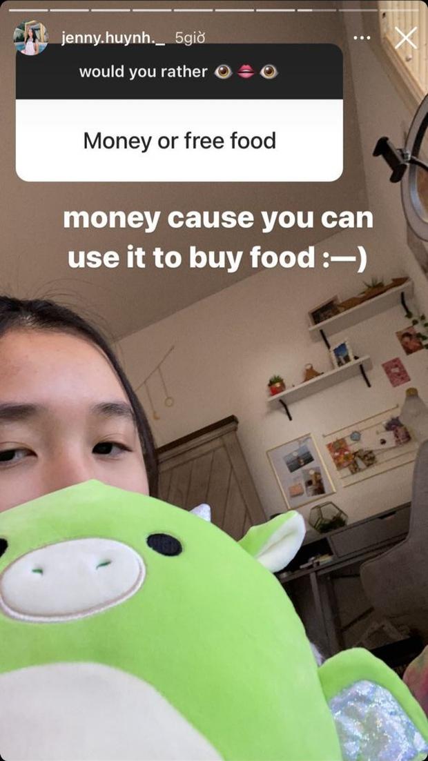 """Jenny Huỳnh trả lời câu hỏi về tiền thông minh cỡ này bảo sao mới 16 tuổi đã trở thành """"thế lực"""" triệu fan - Ảnh 2."""