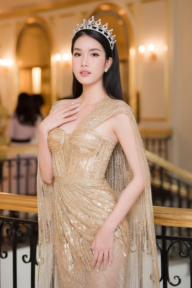 Á hậu Phương Anh bắn tiếng Anh vèo vèo trên sóng livestream, tự tin đối đáp với Giám đốc Miss International - Ảnh 6.