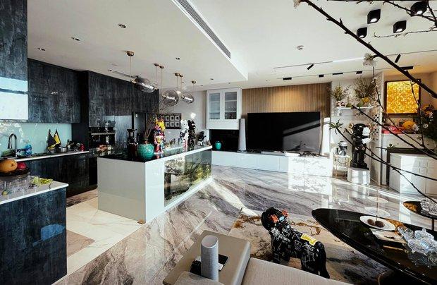 Vợ chồng trẻ đổi nhà đến lần thứ 5, căn hộ mới nhất trị giá 4 tỷ, nhìn view hồ Tây là biết vị trí cực đắc địa - Ảnh 2.