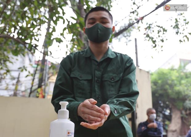 Ảnh, clip: Trước ngày nhập ngũ, Hà Nội xét nghiệm SARS-CoV-2 cho hơn 4500 tân binh - Ảnh 5.