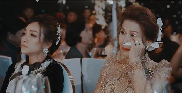Khoảnh khắc lần cuối Minh Nhựa và vợ đầu cùng xuất hiện công khai, cả 2 rơm rớm vì xúc động - Ảnh 2.
