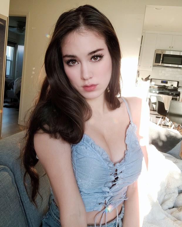 Livestream với quá nhiều cảnh nóng, nữ streamer sexy phải nhận 3 án phạt liên tiếp chỉ trong 1 tháng - Ảnh 5.
