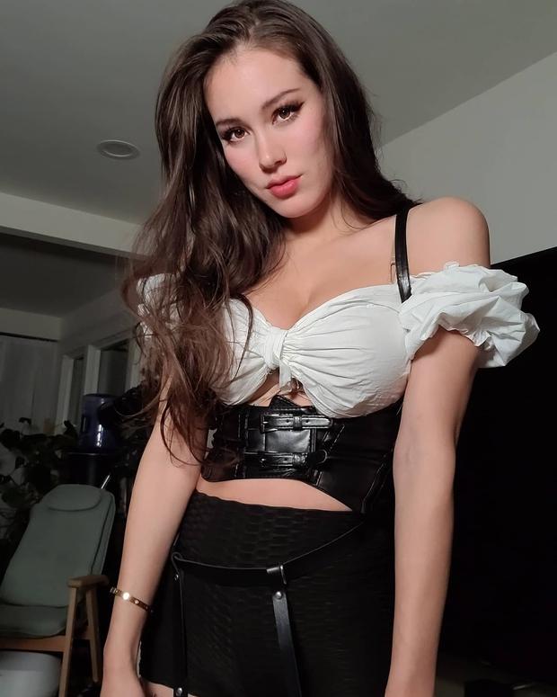 Livestream với quá nhiều cảnh nóng, nữ streamer sexy phải nhận 3 án phạt liên tiếp chỉ trong 1 tháng - Ảnh 6.