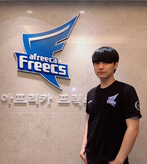 Fan sốc nặng khi game thủ từng được mệnh danh điển trai nhất Hàn Quốc nhan sắc xuống cấp đến mức chẳng thể nhận ra - Ảnh 2.