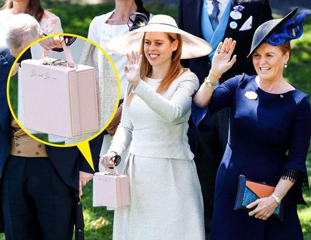 Những lần Hoàng gia Anh dùng trang phục để phát đi thông điệp bí mật: Hoá ra không chỉ sang trọng mà còn thật tinh tế - Ảnh 4.