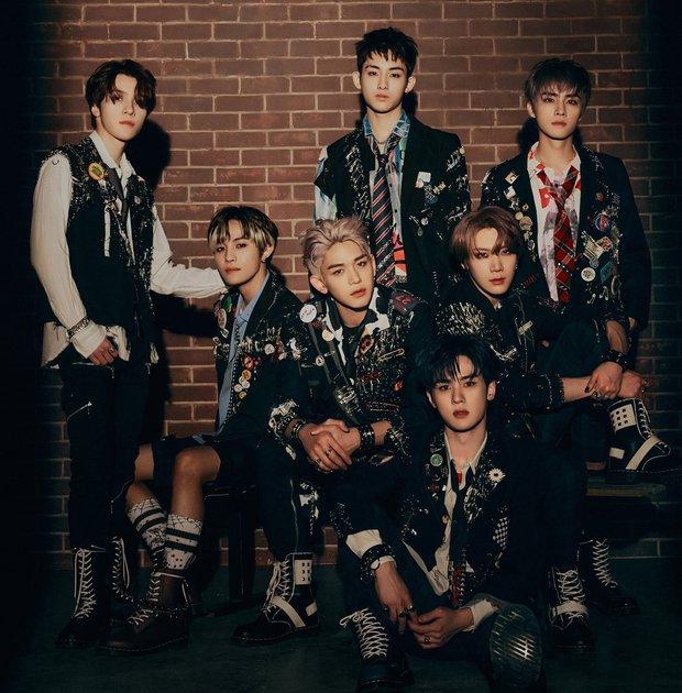 Hậu bị phạt 444 tỷ, SM vội vàng cho loạt nhóm comeback, có nhóm còn tung hẳn 13 phiên bản album khiến fan bàng hoàng - Ảnh 3.