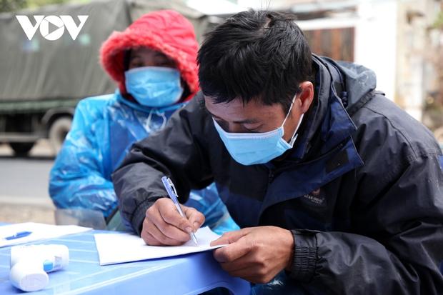 Lai Châu xử phạt thêm 1 bác sĩ khai báo không kịp thời khi về từ vùng dịch - Ảnh 1.