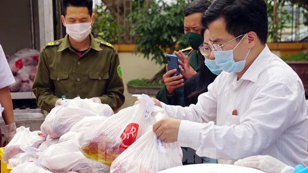 TP. Hải Phòng tiếp tế gần 8 tấn gạo, thịt cho người dân khu phong tỏa - Ảnh 5.