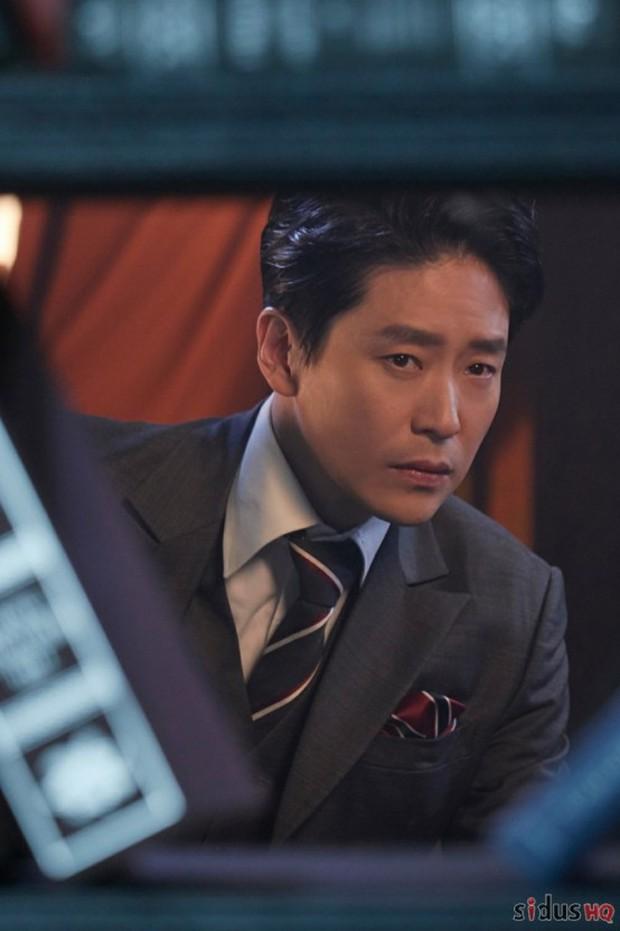 Dượng Ju Dan Tae của Penthouse 2: từng dính tin đồn yêu đồng tính thành viên Super Junior, 45 tuổi vẫn độc thân vì cuồng nhan sắc Song Hye Kyo? - Ảnh 4.