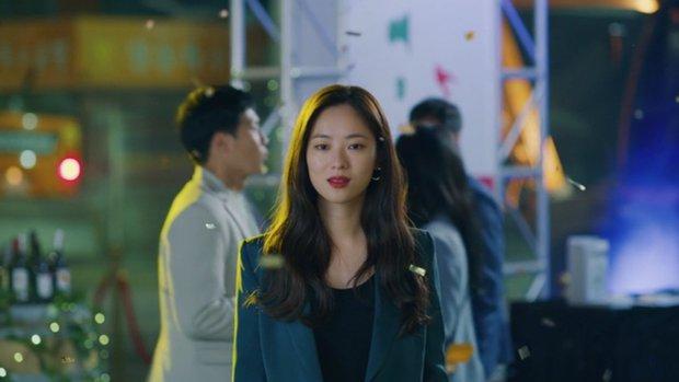 Vincenzo: Tưởng hành động giật gân ai ngờ hài muốn xỉu, Song Joong Ki mặt baby vẫn cân đẹp vai xã hội đen cực ngầu - Ảnh 9.