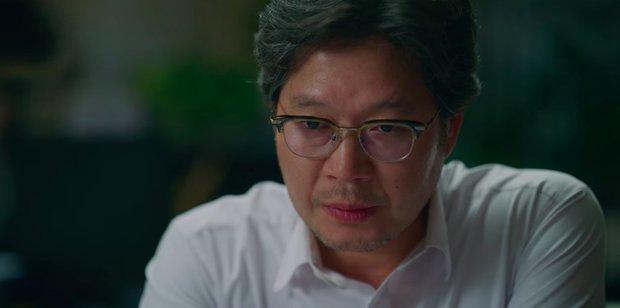 Vincenzo: Tưởng hành động giật gân ai ngờ hài muốn xỉu, Song Joong Ki mặt baby vẫn cân đẹp vai xã hội đen cực ngầu - Ảnh 17.