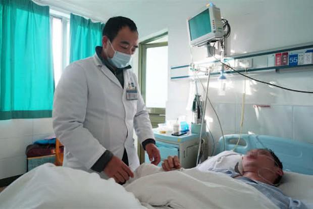 Người đàn ông 40 tuổi bị nhồi máu não, bác sĩ chỉ rõ 2 kiểu ăn sáng là thủ phạm khiến máu đặc như cháo - Ảnh 1.