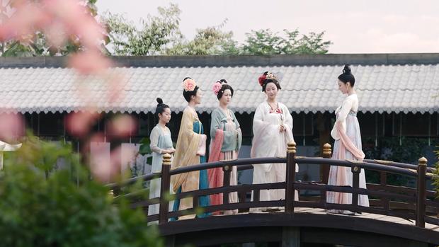 Mãn nhãn với loạt cổ phục đẹp nức nở ở Đại Đường Minh Nguyệt, phim thế này mới đáng để xem chứ! - Ảnh 1.