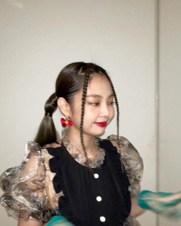 Học lỏm bí quyết chụp ảnh out nét mà vẫn đẹp như G-Dragon và Jennie: Số 1 - bạn phải đẹp! - Ảnh 3.