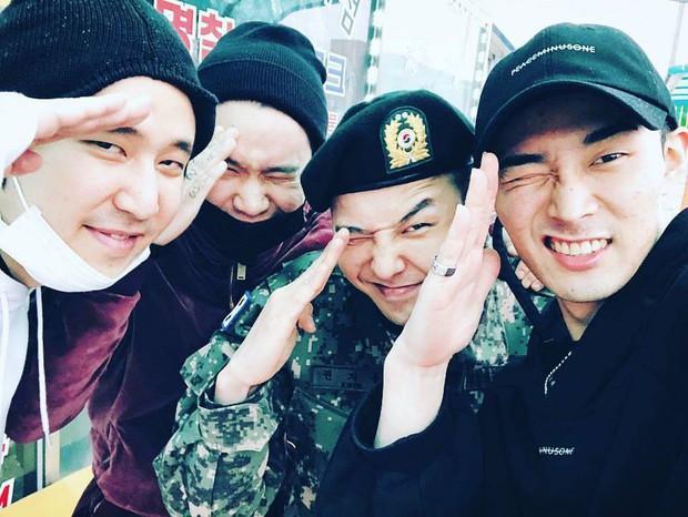 Tìm danh tính quản lý giúp G-Dragon đưa đón Jennie đi hẹn hò: Người nổi tiếng như idol, người bị nhầm thành Sơn Tùng? - Ảnh 5.